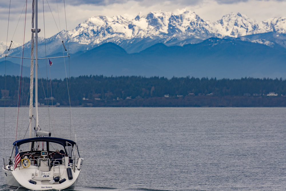 Sailboat in front of Mt Ranier